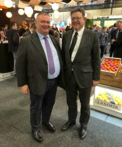 Presidente de la Asociación Española de Empresarios de Transporte Bajo Temperatura Dirigida (ATFRIE), Jose Maria Arnedo, junto con el Excelentísimo Presidente de la Comunitat Valenciana, Ximo Puig.