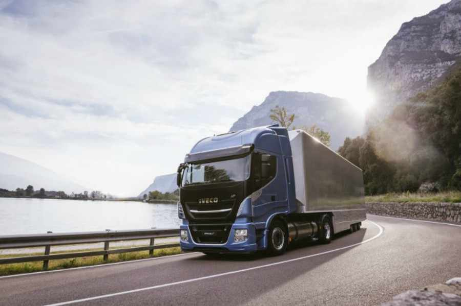 El gas la opción al diesel en el transporte por carretera de larga distancia