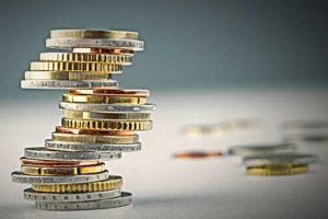 Sindicatos y patronal acuerdan subida salarial anual del 3% hasta 2020